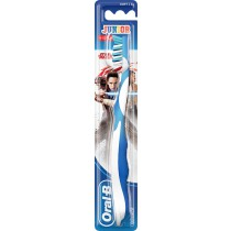Oral-B Cross Action Pro-Expert Cross Action 8+ Years Kids Toothbrush - image