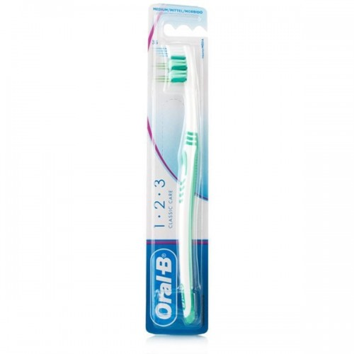 Oral-B 123 Classic Care Toothbrush - image